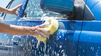 シニア活躍中|高時給1100円|人気の洗車スタッフ