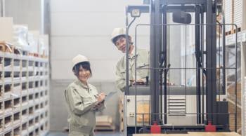 高時給1350円~│常温倉庫内リフト作業|女性活躍中<急募>