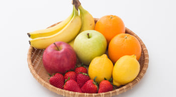 出荷前の果物にシールを貼る作業|未経験歓迎|日勤フルタイム