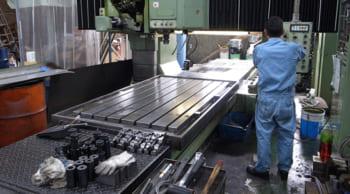 玉掛・クレーン免許が活かせる|金属製品の加工|土日休み