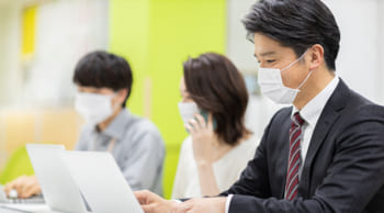 <40名大募集>メール対応業務 高時給1100円 短期2ヶ月