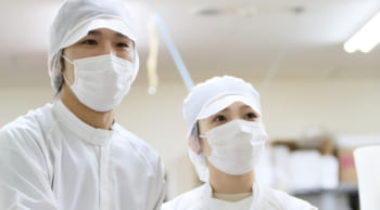 月収18万円以上可|食品工場での製造補助|簡単な作業がメイン