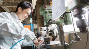 男性活躍|金属加工・部品加工|正社員登用の実績あり