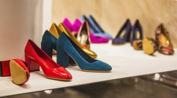 フルタイム|未経験歓迎|婦人靴の接客・販売|女性活躍中